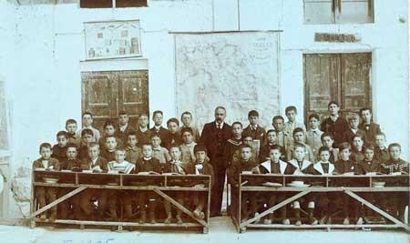 Alcamo, 1905. Foto di gruppo della classe 5 elementare
