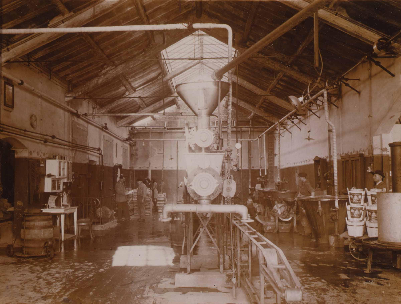 Un interno dello stabilimento negli anni venti del Novecento