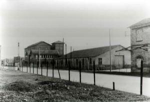 Magazzini e infrastrutture del Consorzio Agrario Provinciale di Parma, in viale Fratti, negli anni Trenta del Novecento (Archivio Consorzio Agrario Provinciale, Parma)