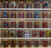 La collezione di 105 latte da conserva di pomodoro, tutte databili al 1938 ed esposte al Museo del Pomodoro.